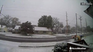 The landscape goes from green to white in this time-lapse