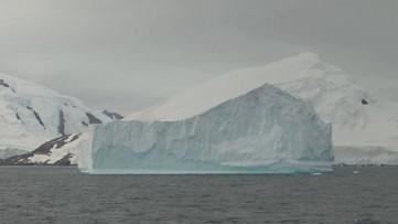 Iceberg 5 Times the Size of Manhattan Breaks off Antarctica