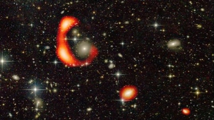 A Far-Off Galaxy Baffles Scientists With Its Starless Ring of Hydrogen