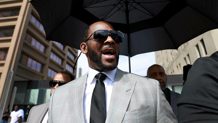 Judge orders R. Kelly held in jail without bond in sex case