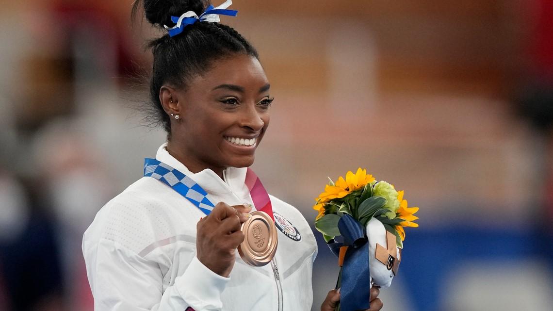 Tokyo Rewind, Aug. 3: Biles wins bronze, American sets world record