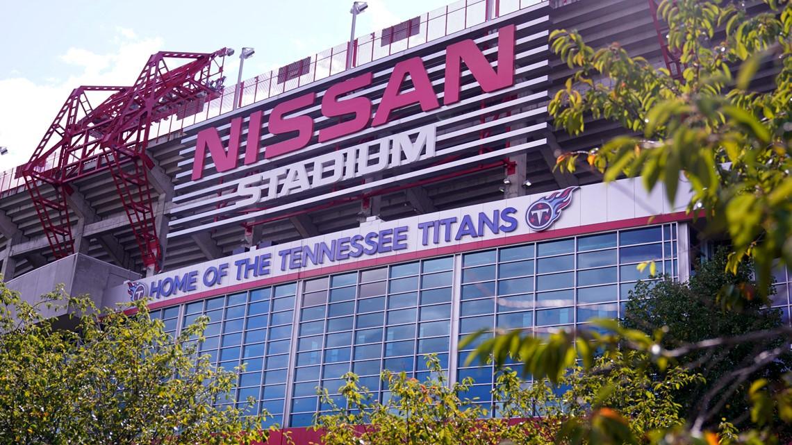2 more Tennessee Titans test positive in COVID-19 outbreak, AP source says