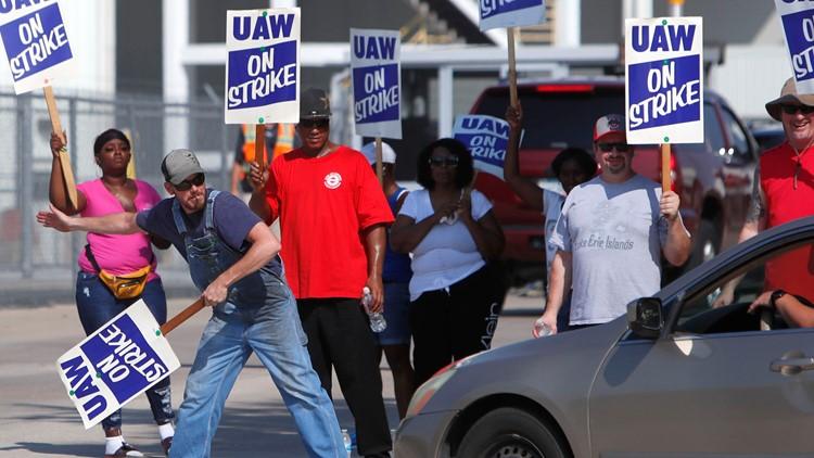 General Motors UAW Strike at Arlington Texas Monday Sept 16