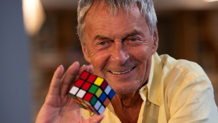 In the '80s, Rubik's Cubes were everywhere, and there are still legions of people obsessed with the multicolored puzzles after all these years.