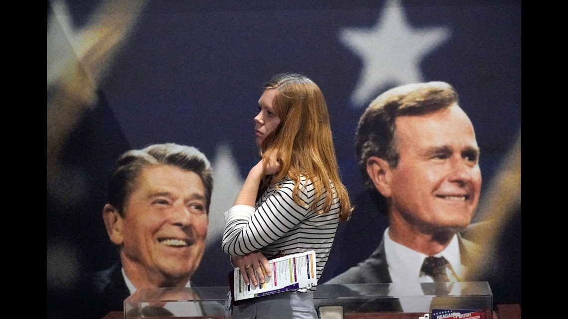 Mercedes Benz Of Oakland >> President George H.W. Bush arrives in Washington for final time as Americans say goodbye | wcnc.com