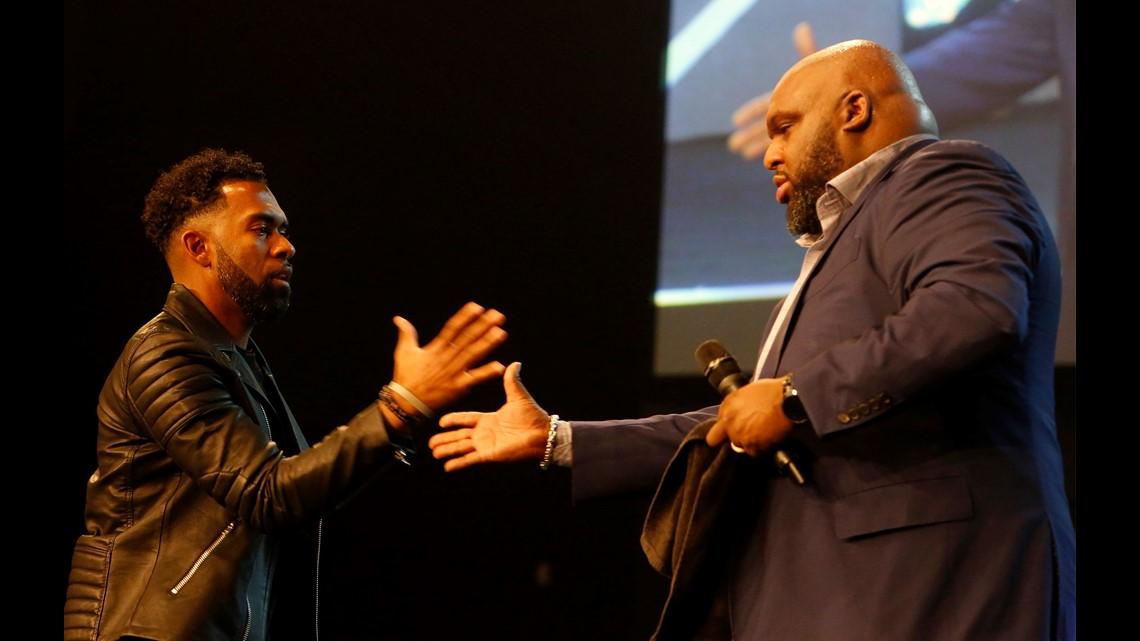 With tears, megachurch Pastor John Gray defends $200K ...