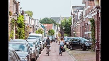 No new tourists shop will open in Amsterdam after court upholds ban on store openings