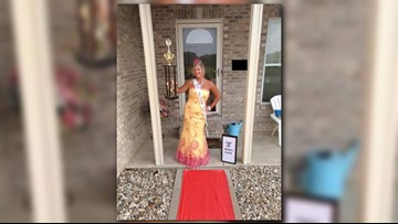 Ill. mom wins back-to-school day with crown, trophy and red carpet