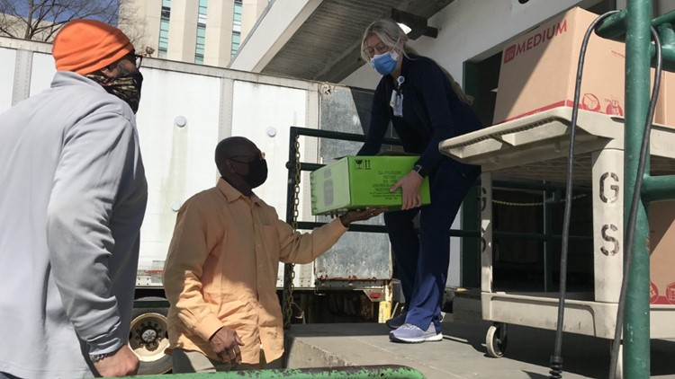 'Wanted to just show our gratitude' | Charlotte caterer brought over 100 meals to Atrium Health