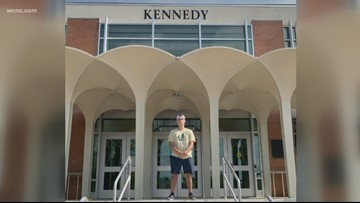#NotAfraid: UNC Charlotte shooting survivor visits Kennedy Hall for first time since tragedy