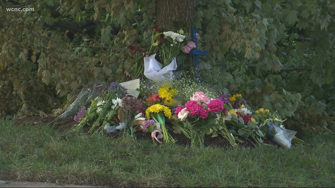2 former Myers Park students dead in crash