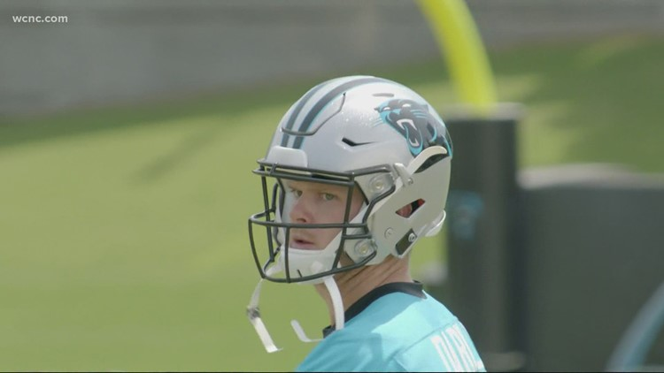 Panthers' Darnold sheds mask, won't discuss vaccination