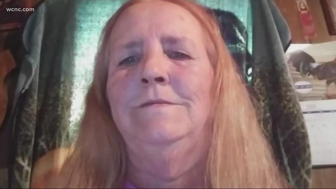 Woman's body found on side of South Carolina roadway