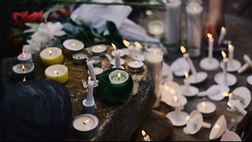 Charlotte Strong: Community comes together for candlelight vigil after UNCC shooting
