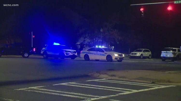 Man dead after SWAT standoff in southwest Charlotte