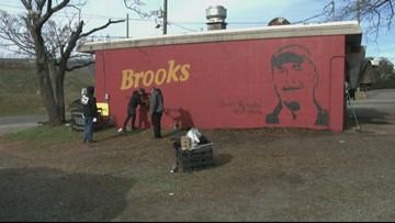 Mural on side of Brooks' Sandwich House honors Scott Brooks