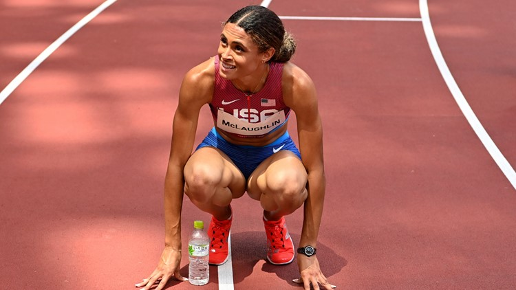 Tokyo Rewind: American sets world record in track final