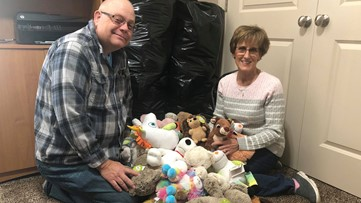 Woman hoping to give every kid in local hospitals a stuffed animal for Christmas, and she needs your help