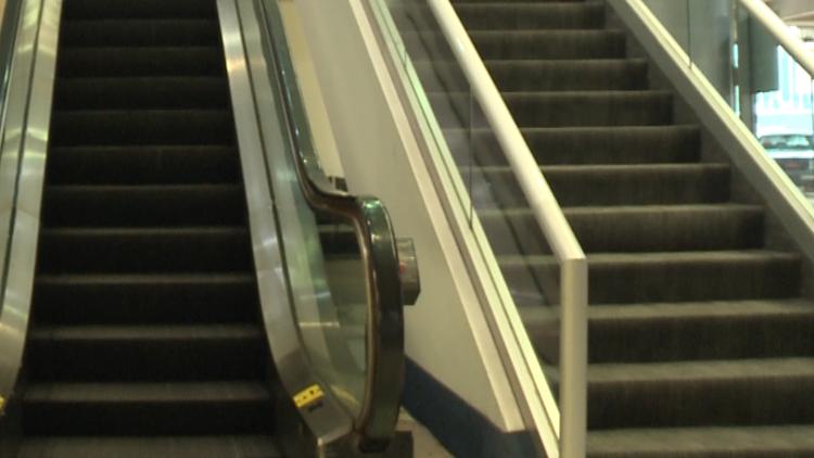 escalator death airport