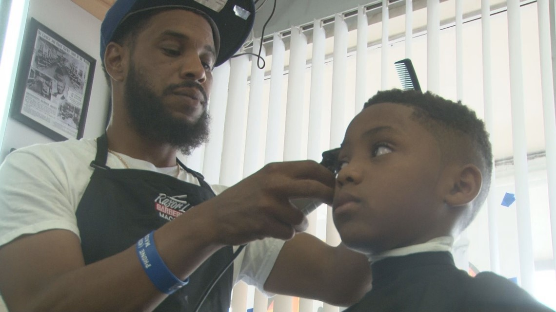 Ga Barber Gives Free Cuts To Kick Off A New School Year Wcnc