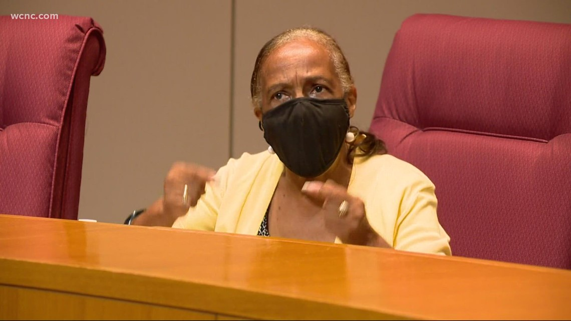 CMS school board says everyone in schools must mask up
