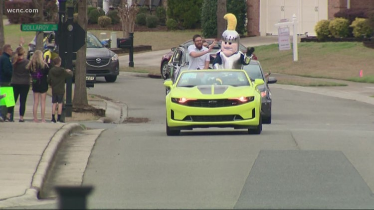 Kids in the Carolinas given morale boost with teacher parade