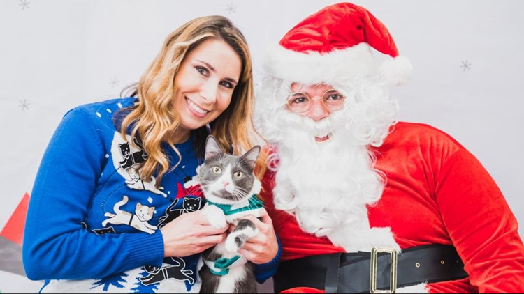 Petsmart Christmas Eve Hours.Petsmart Is Offering Free Santa Photos For You And Your Pet Wcnc Com