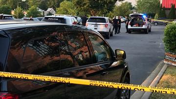 Shooting victim ran into beauty salon for help, police say