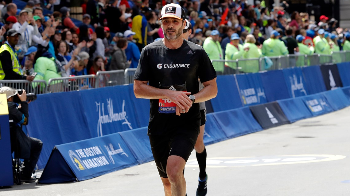 NASCAR champion Jimmie Johnson completes Boston Marathon