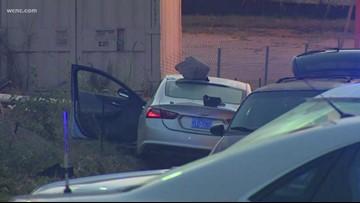 1 killed in single-vehicle crash west Charlotte