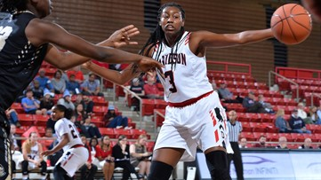 Davidson's Robinson staying part of team during Leukemia battle