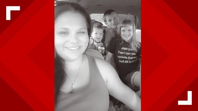 Leah Dula and children
