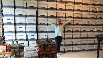 9-year-old helps feed families during the Thanksgiving season