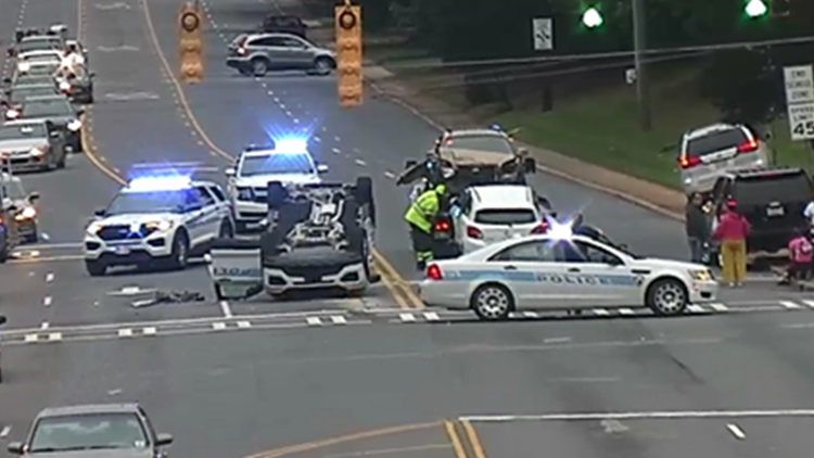 Suspect charged after CMPD officer injured in southeast Charlotte crash