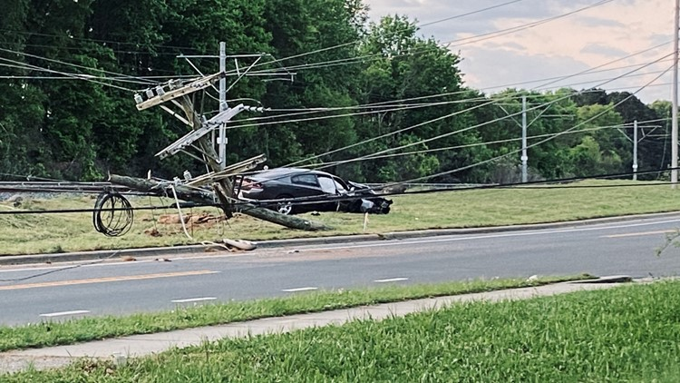 Hundreds without power after car hits pole on Old Pineville Road