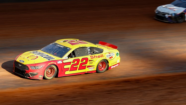 Logano takes the checkered flag in a haze of Bristol dirt