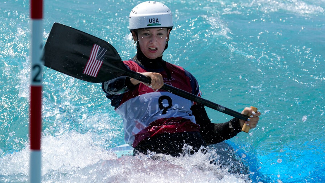 Evy Leibfarth heads to the C-1 slalom semifinals in Tokyo