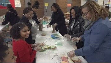 Charlotte community packs, donates 2,500 lunches in honor of Martin Luther King Jr.