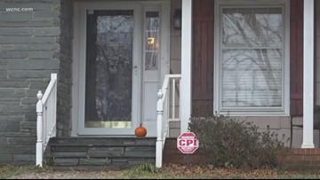 Charlotte family held at gun point inside home