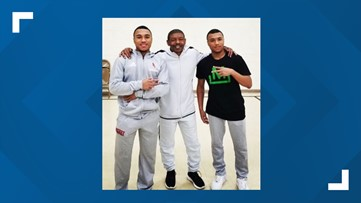 Muggsy Bogues takes time to meet with Berry's twin guards