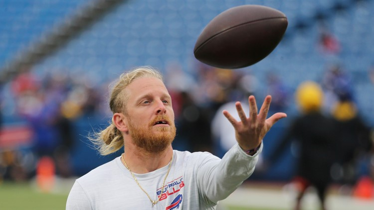 Bills' Beasley, Ferguson offer to buy unvaccinated fans tickets to road games