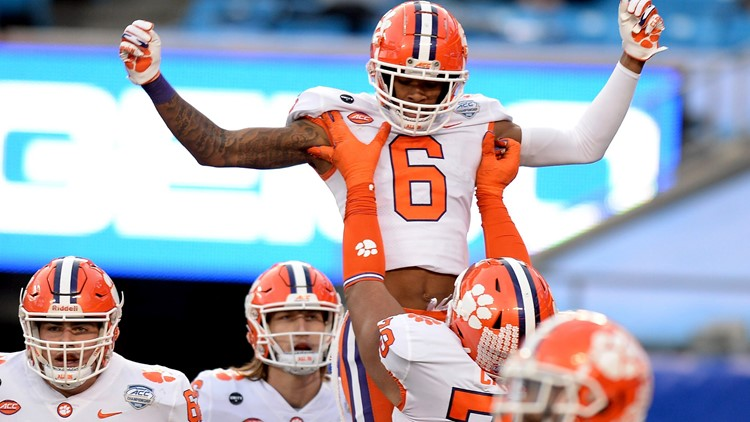Clemson makes College Football Playoff, to face Ohio State