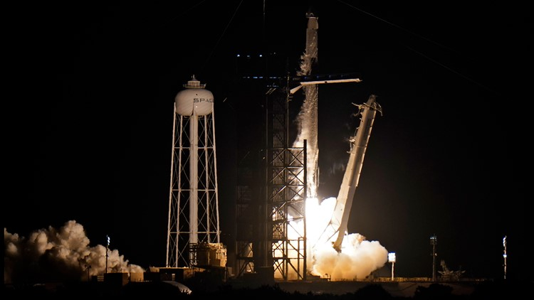 Liftoff! SpaceX's all-civilian Inspiration4 crew enters low-Earth orbit