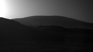 Mars at sunrise: Curiosity rover snaps photo of Red Planet at dawn