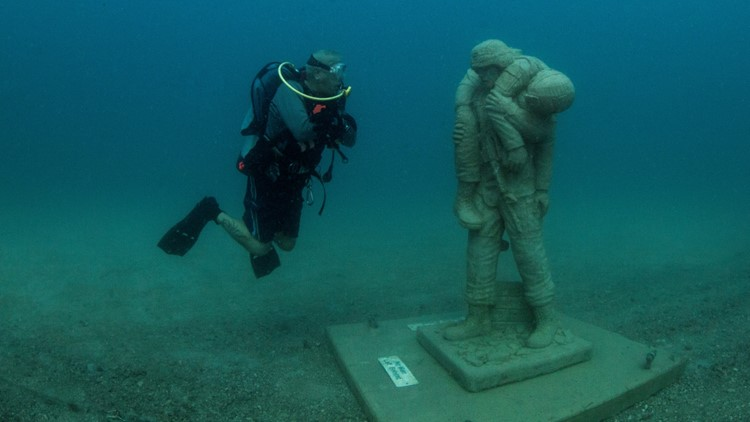 Florida's Circle of Heroes underwater memorial honors military veterans