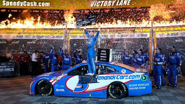 Larson wins 2nd NASCAR All-Star race, this one in Texas